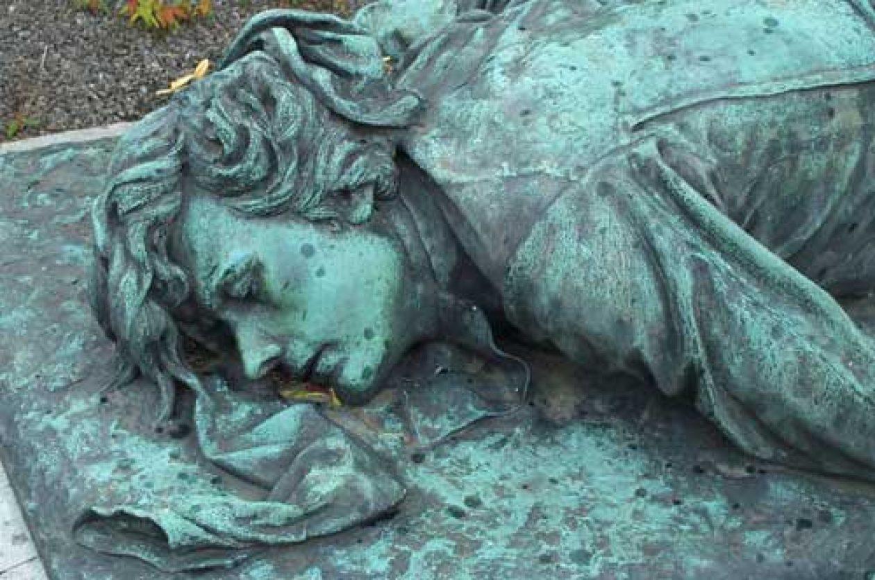 REIMS: le cimetière du Nord, petit Père Lachaise